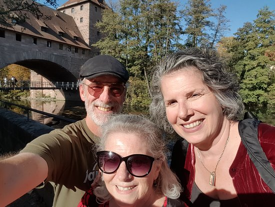 #Nuremberg Tours in English with #HappyTourCustomers at the Kettensteg in Nuremberg