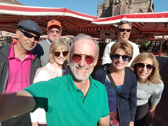 #Nuremberg Tours in English with #HappyTourCustomers at the Main Market Square in Nuremberg