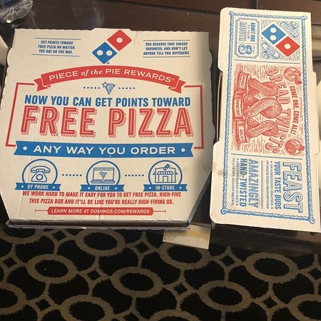 Quick Pizza to go - Review of Domino's Pizza, Palm Springs