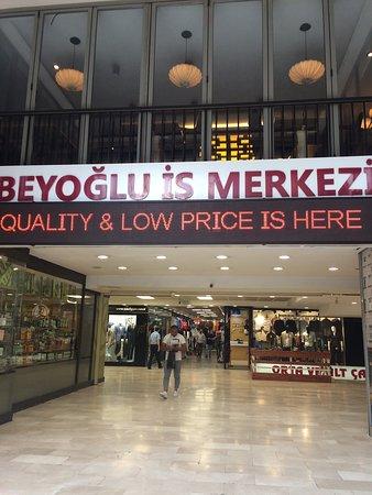 Beyoglu Is Merkezi