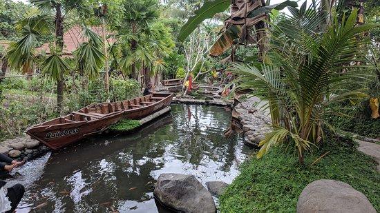Sleman, Indonesia: Kampung Flory