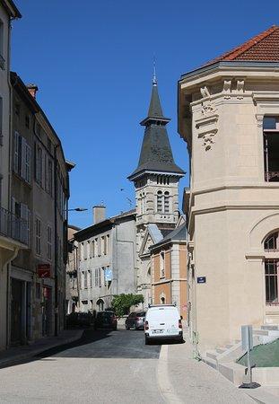 Bourg-en-Bresse, Francja: Le temple protestant et son clocher