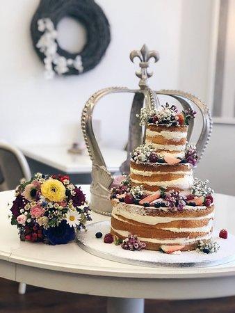 Naked Cake Zur Hochzeit Picture Of Schlosspark Cafe Bad