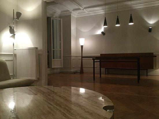 Brighton and Hove, UK: Design Renaissance Gallery interior design project