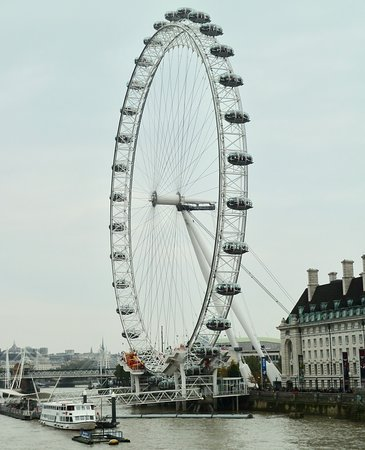 South East England, UK: The Wheel on the Thames