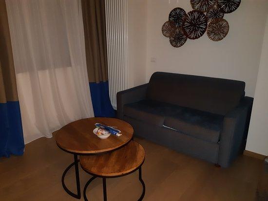 divano-soggiorno - Foto di Petrarca Hotel Terme, Montegrotto Terme ...