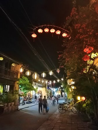 Hoi An Ancient Town: IMG_20181016_192133_large.jpg
