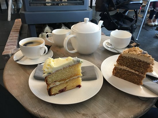 Burton upon Trent, UK: Coffee and tea with homemade cakes!