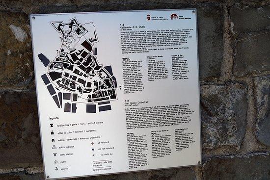 Cattedrale di San Giusto Martire : Karta över området