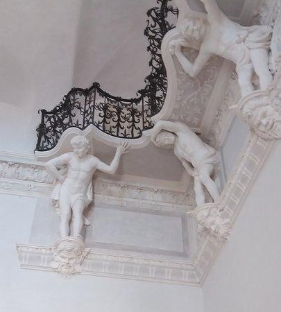 Vasca Da Bagno Stile 800.Vasca Da Bagno In Stile Impero Foto Di Villa Visconti Borromeo