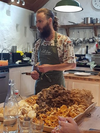 Fat Hen - The Wild Cookery School: Mushroom guy looked the part