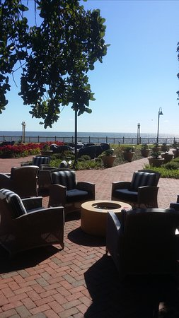 Point Clear, AL: Outside dining overlooking the bay with the natural gas fire pits.