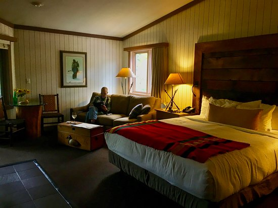 Sunnyside Restaurant and Lodge: Relaxing In The Room