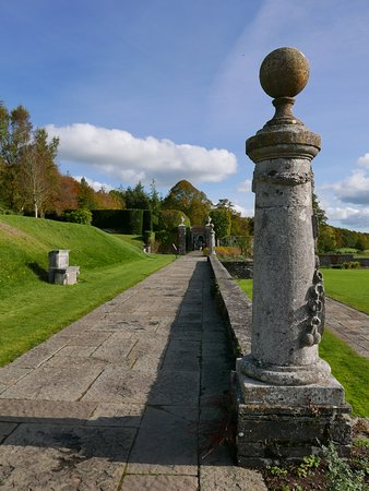 Abbeyleix, Ireland: terrace walk