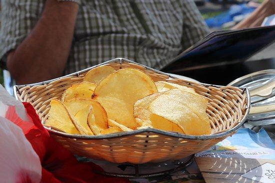 Algarrobo, Spain: Homemade crisps!