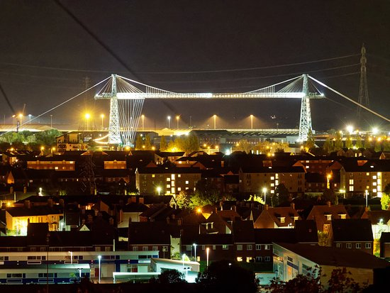 Newport Transporter Bridge: Transporter Bridge at night. Newport South Wales, UK