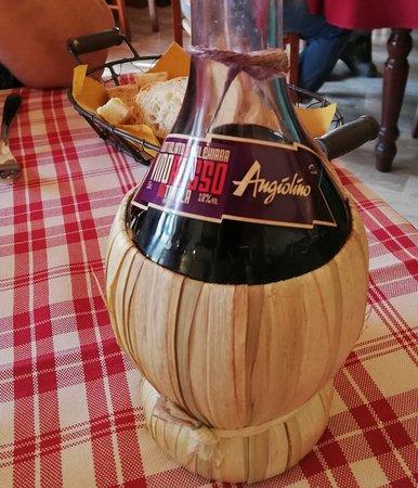 San Donnino, Olaszország: vino della casa