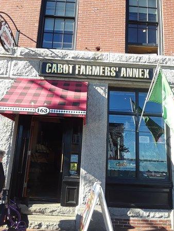 Cabot Farmers' Annex