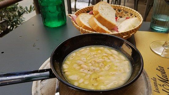 Castelmuzio, อิตาลี: Ribolita & bean soup