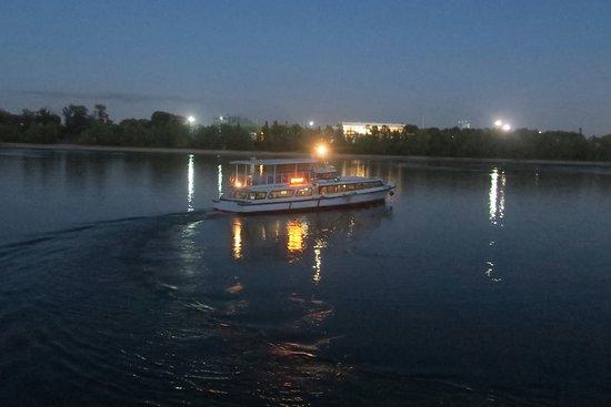 Aquamarina Hotel : The last boat at 7pm leaving