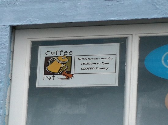 Salen, UK: Ostensible Opening Hours of The Coffee Pot