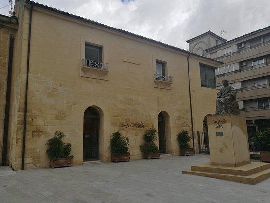 Plaza Arcipreste de Hita