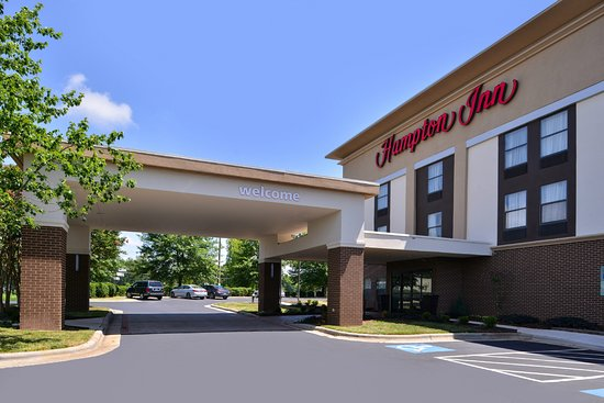 McLeansville, NC: Hotel Exterior, Accessible Entrance