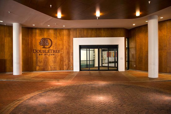DoubleTree by Hilton - Washington DC - Crystal City: Exterior
