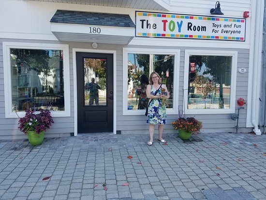 Bethel, CT: Toys & Fun For Everyone!