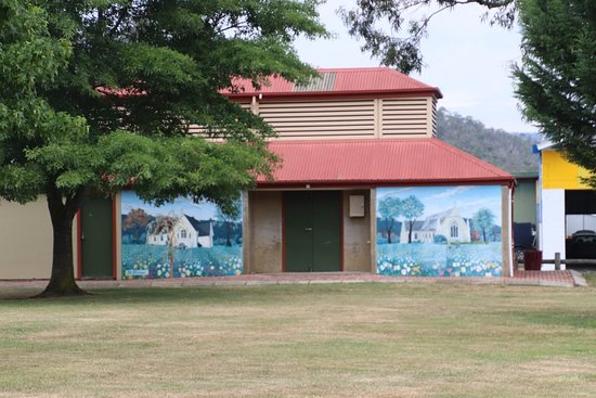 New Norfolk, Australia: Paintings