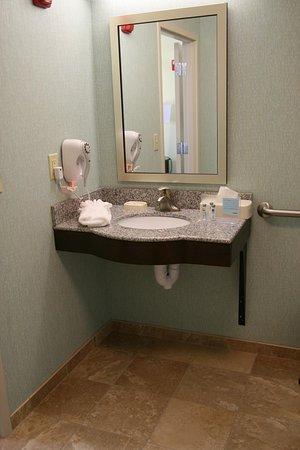 Wilder, KY: Accessible Vanity