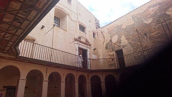 Castello dei Ventimiglia: DSC_2682_large.jpg
