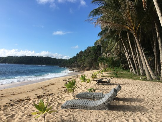 San Isidro, Philippines: Beach outside resort