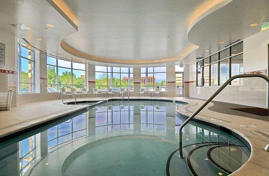 Glendale, CO: Pool