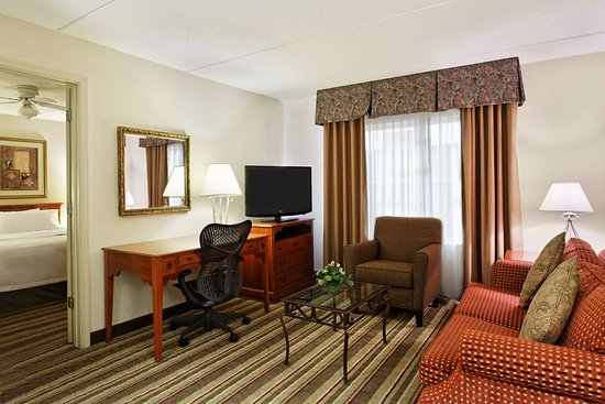 Homewood Suites Richmond Airport: Guest room