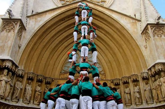 Wine and Cava Tasting and Human Tower...