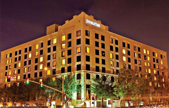 ダブルツリー ホテル サンタアナ / オレンジ カウンティ エアポート