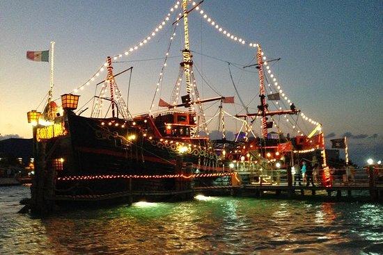 Espectáculo de piratas nocturno y...