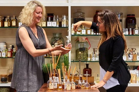 Perfume Masterclass in Florence: Make...