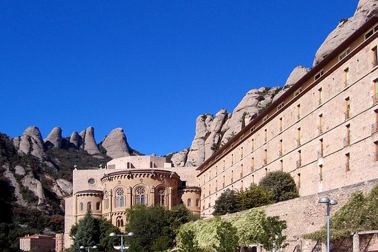 Barcelona Highlights and Montserrat...
