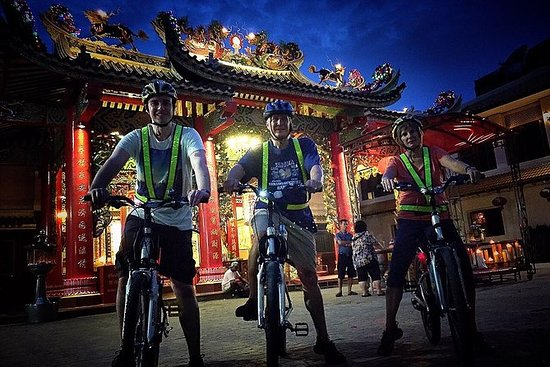 6-Hour Siam Ratree Night Bike Tour ...
