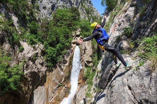 Cetina River Extreme Canyoning...