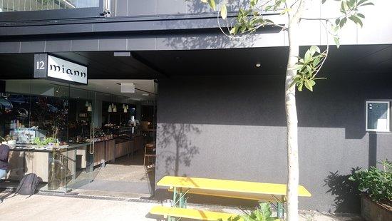 Sandringham, New Zealand: Entrance