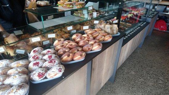 Sandringham, New Zealand: Filled Doughnuts
