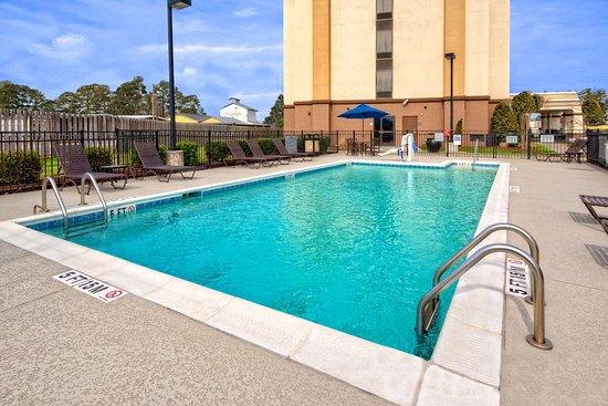 Dunn, Kuzey Carolina: Pool
