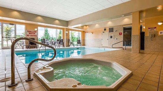 Best Western Plus Muskoka Inn: Indoor Hot Tub