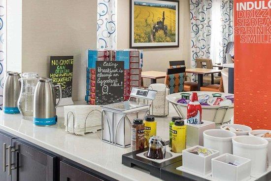 Douglas, جورجيا: Breakfast Buffet Options