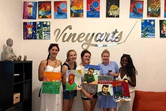 Vineyarts Evening Paint & Sip Tour