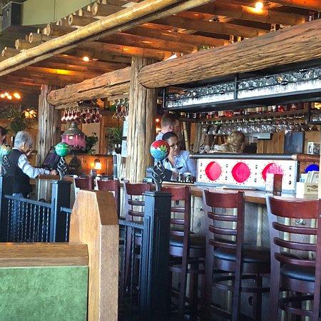 Mcmenamins Pub At Kalama Harbor Lodge Restaurant Reviews Phone Number Photos Tripadvisor
