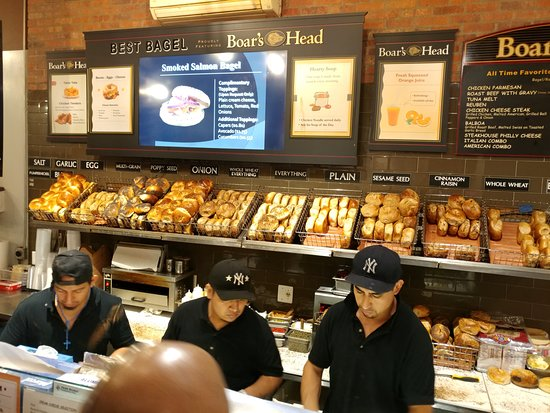 Best Bagel and Coffee: Delicious Bagels at Best Bagel & Coffee - New York (16/Oct/18).